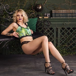 blondieally myfreecams